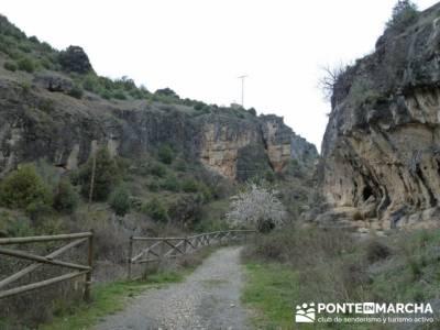Travesía de senderismo desde El Atazar a Patones - Barranco de Patones; accesorios para senderismo